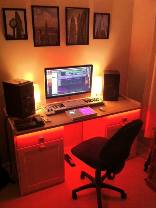 Fabulous How Can I Setup A Simple Home Recording Studio Freaksonar Largest Home Design Picture Inspirations Pitcheantrous